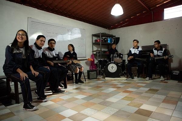 Musica en Colegio Smon Bolivar Puebla (21)-min